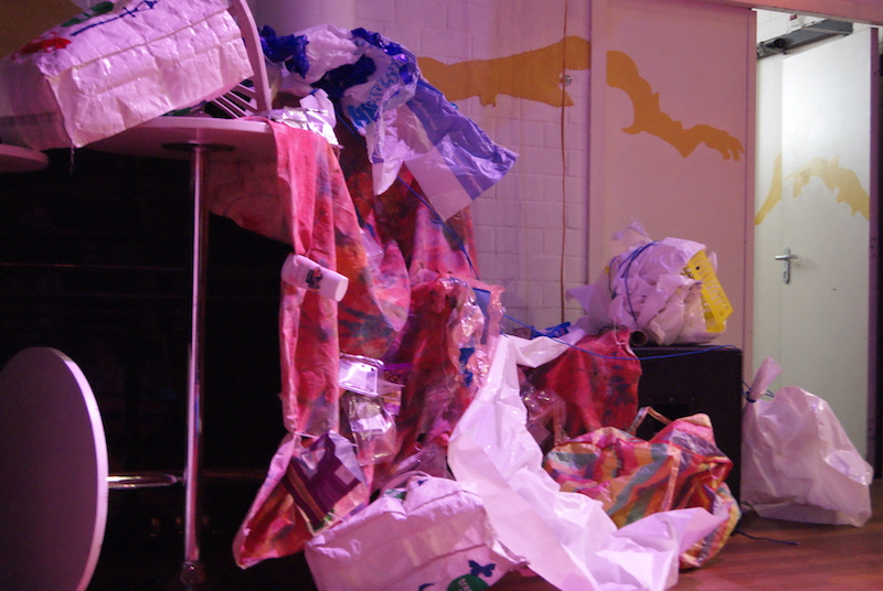circus, theater, circuswerkplaatsboost, jungle, jungleamsterdam, recycle, decor, kostuum, plastic, verpakking, plasticsoup, theater, robertpennekamp, kids, voorstelling, afval, kostuums